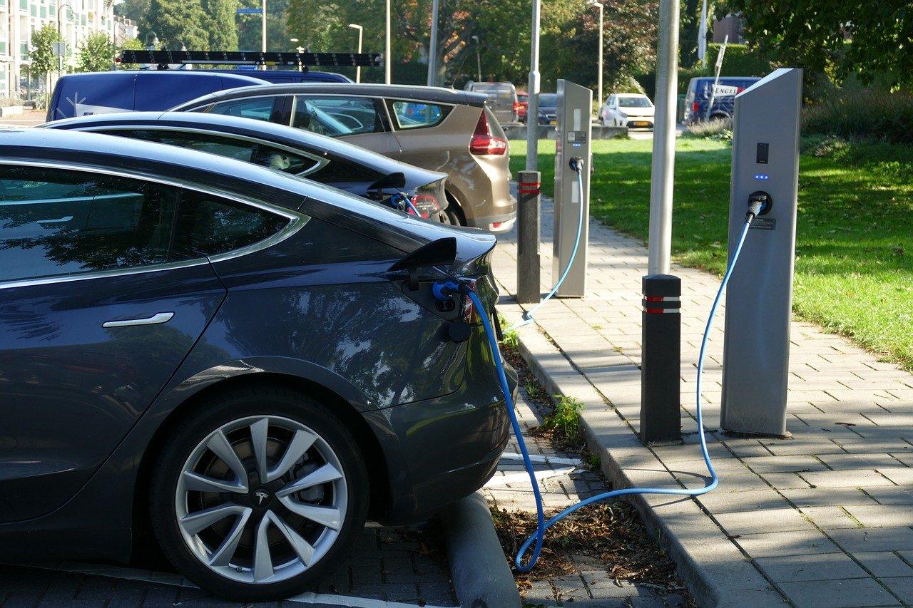 Laadpalen elektrische auto en fiets