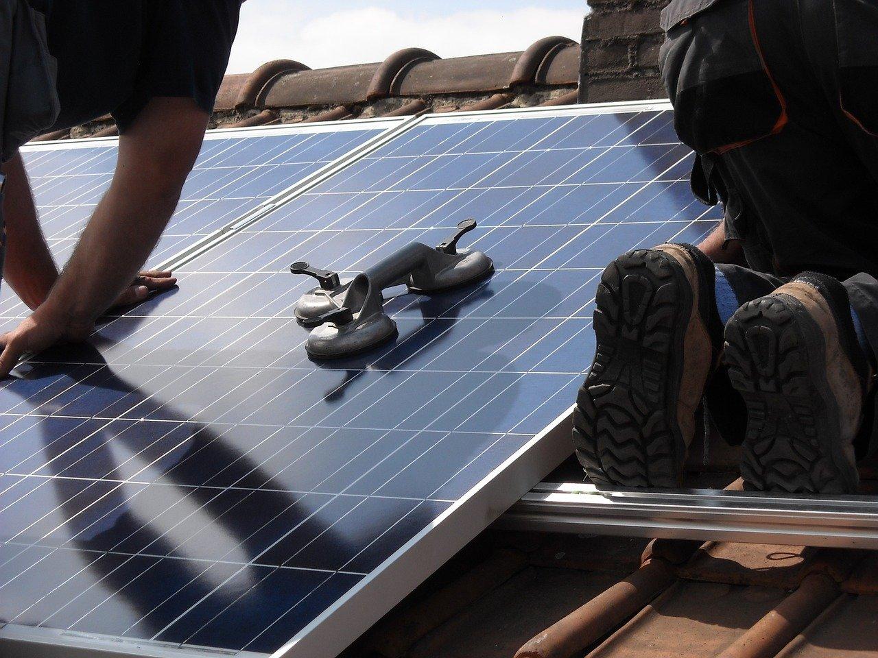 Oriëntatie, hellingshoek en installatie van zonnepanelen